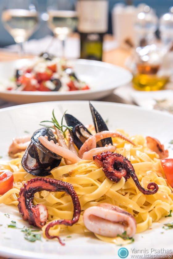 Διαφημιστική φωτογραφία προιόντων τροφίμων και φαγητού - Ταλιατέλες Θαλασσινών